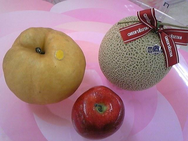 メロンとりんごと?