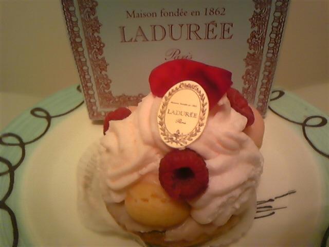 ラデュレのケーキ!