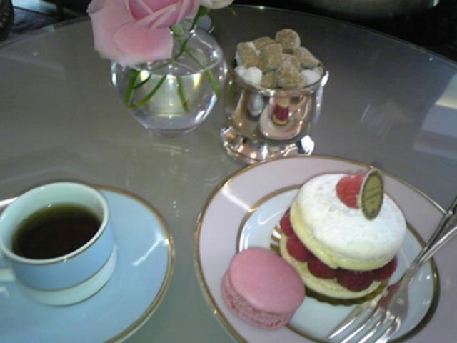 ラデュレ新作ケーキ&ティー!