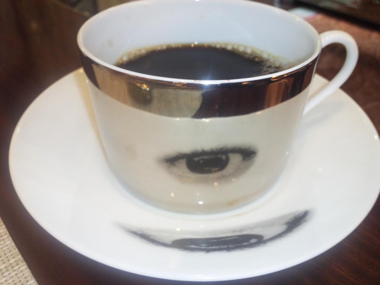 不思議なカップ&amp;<br />  ソーサー!