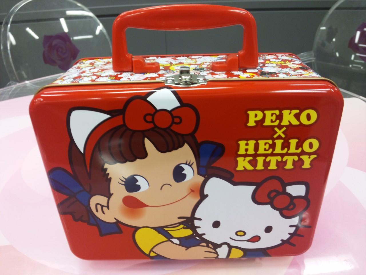 ペコ&キティのトランク缶!