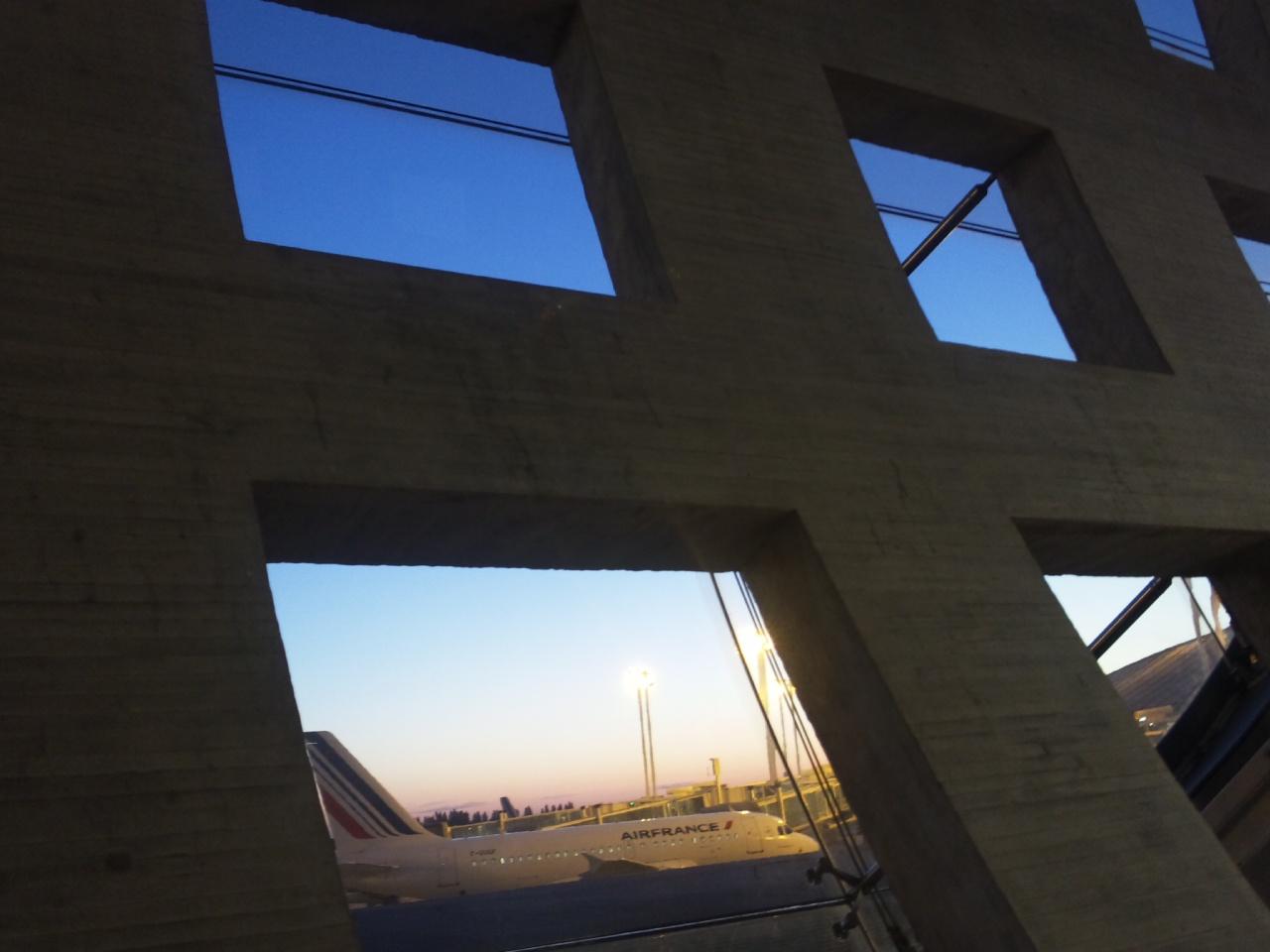 シャルル・ド・ゴール空港到着!