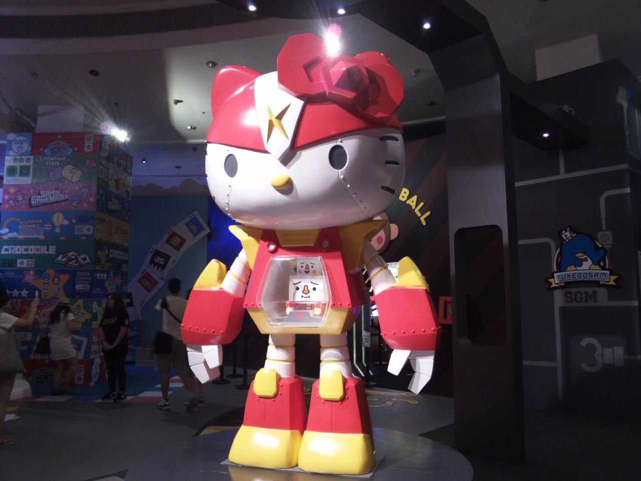 巨大キティロボット!