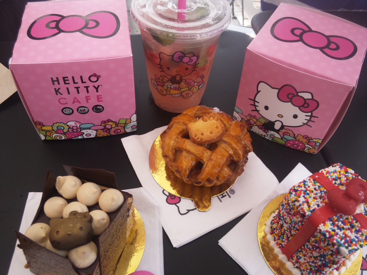HELLO KITTY CAFE メニュー!